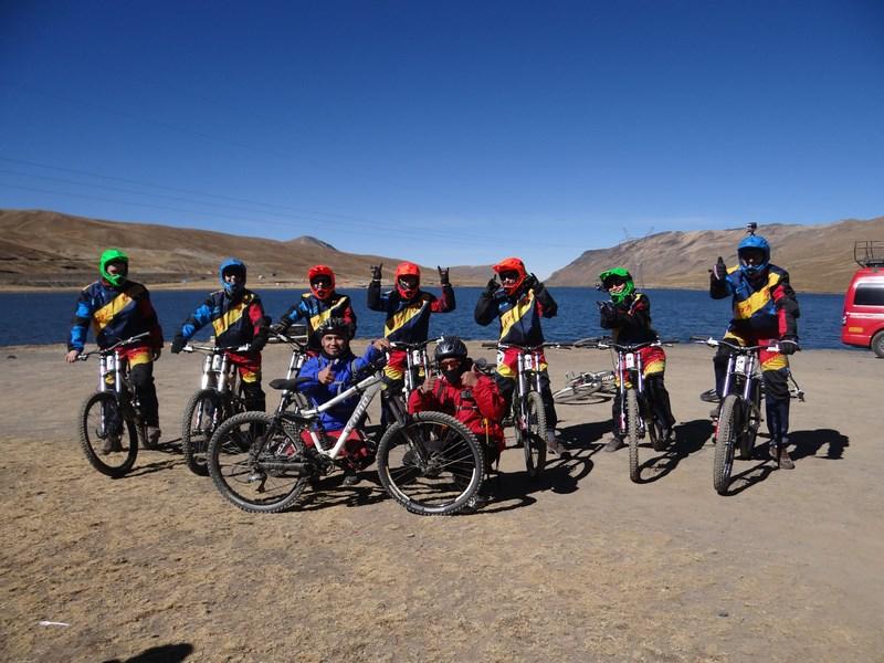 09. Biciclisti Drumul Mortii
