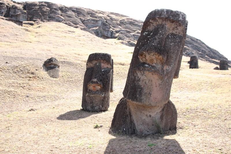 09. Moai - Insula Pastelui
