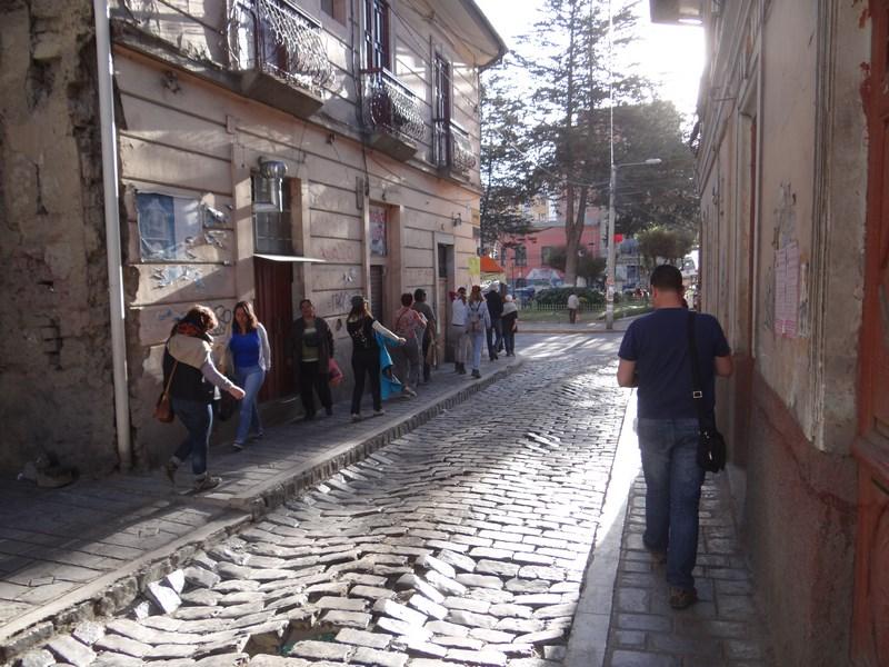 09. Strazile din La Paz