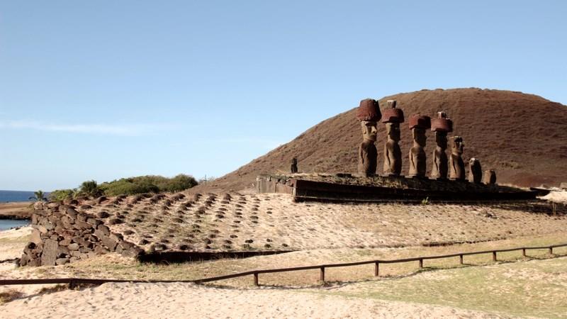 18. Moai - Anakena