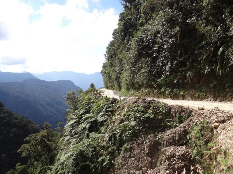 28. Drum prin munti