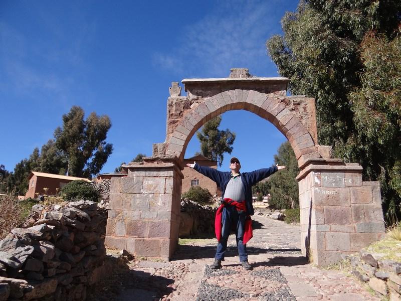 46. Poarta Titicaca