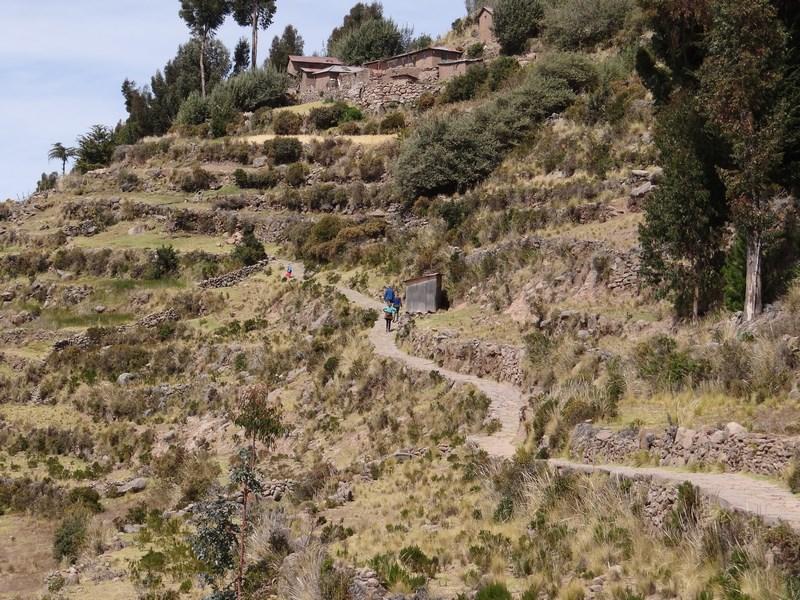 53. Drumuri Taquile