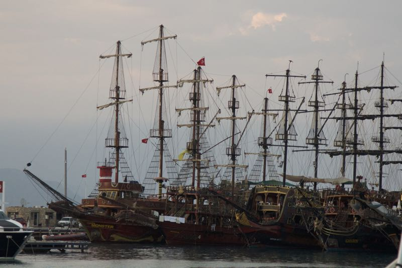 30-kemer-corabii-in-port