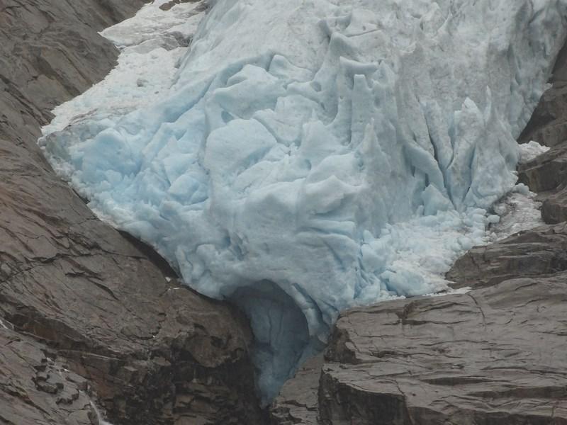 41-briksdal-glacier