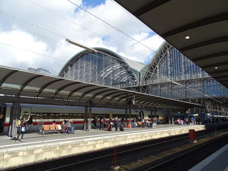 02-gara-frankfurt-peron