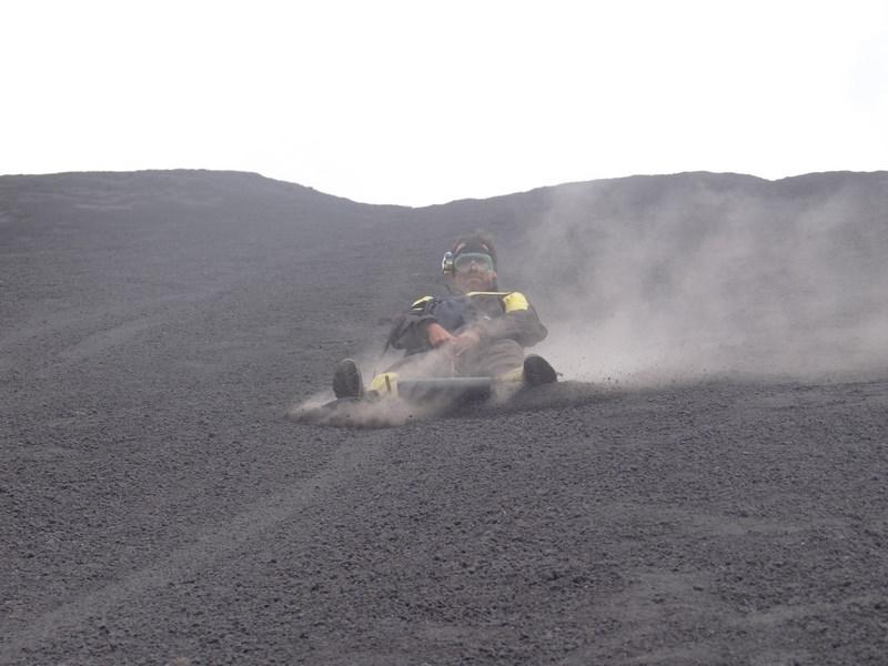 16-nicaragua-america-centrala-volcano-boarding