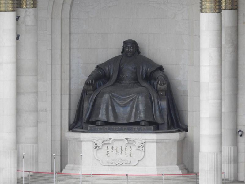 07-statuie-genghis-han-ulaan-bataar