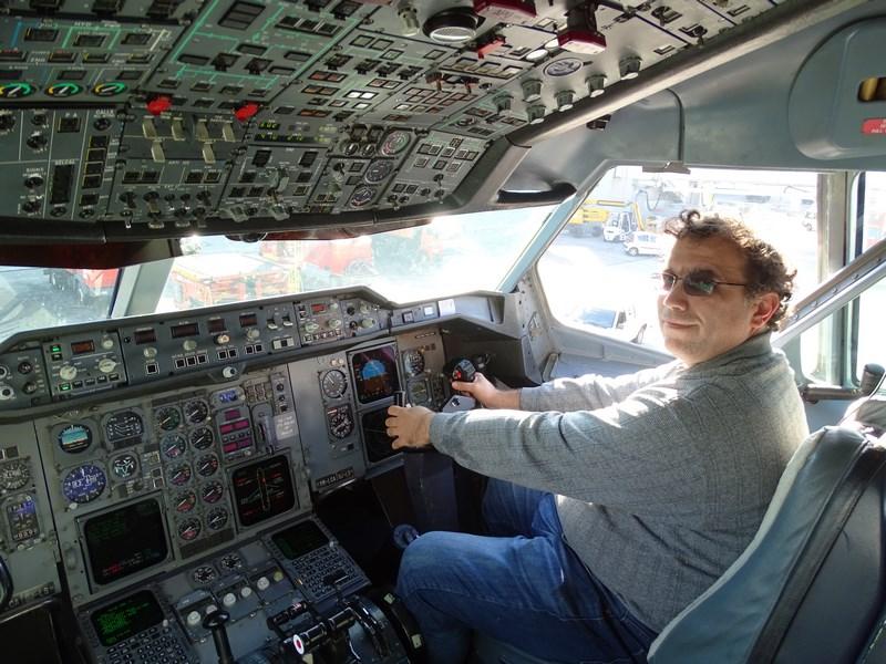 12-cockpit-tarom