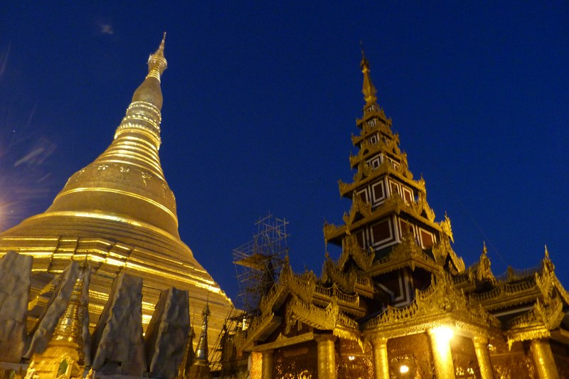 14-pagoda-de-aur-yangon-myanmar