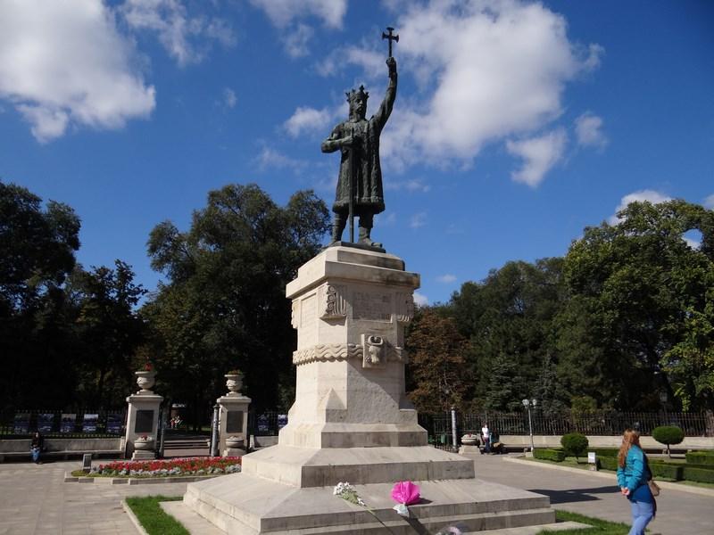 17-statuia-lui-stefan-cel-mare-chisinau-basarabia