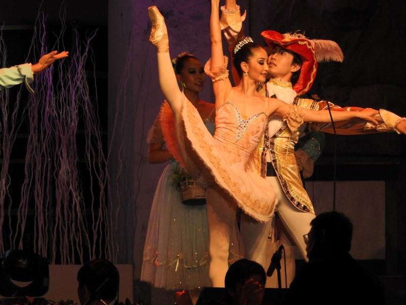 19-dansatori-mongoli
