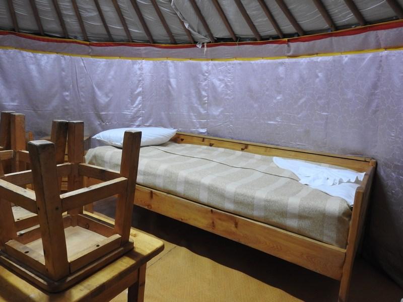35-terelj-ger-camp-interior