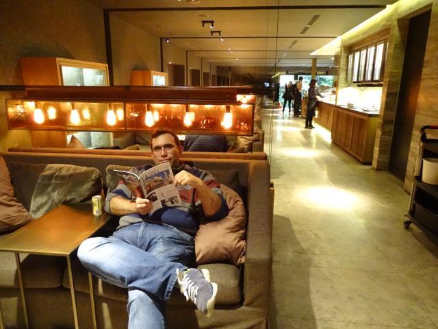 02-sky-team-business-lounge-taipei