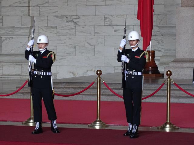 11-schimbare-garda-de-onoare