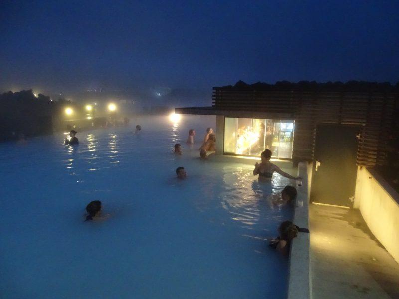 13. Laguna Albastra noaptea