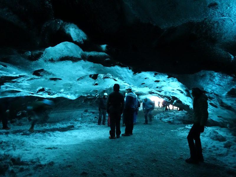 29. Pestera gheata Islanda