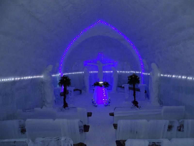 25. Biserica de gheata Balea
