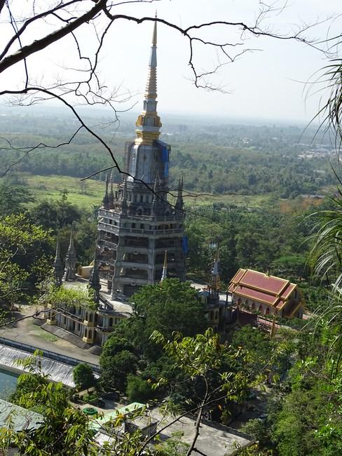12. Manastirea in constructie