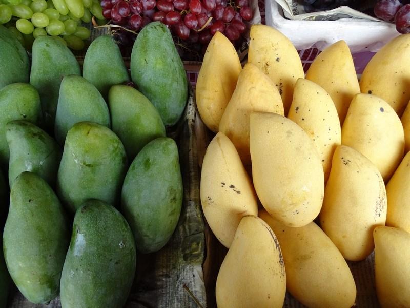 27. Mango verde, mango galben