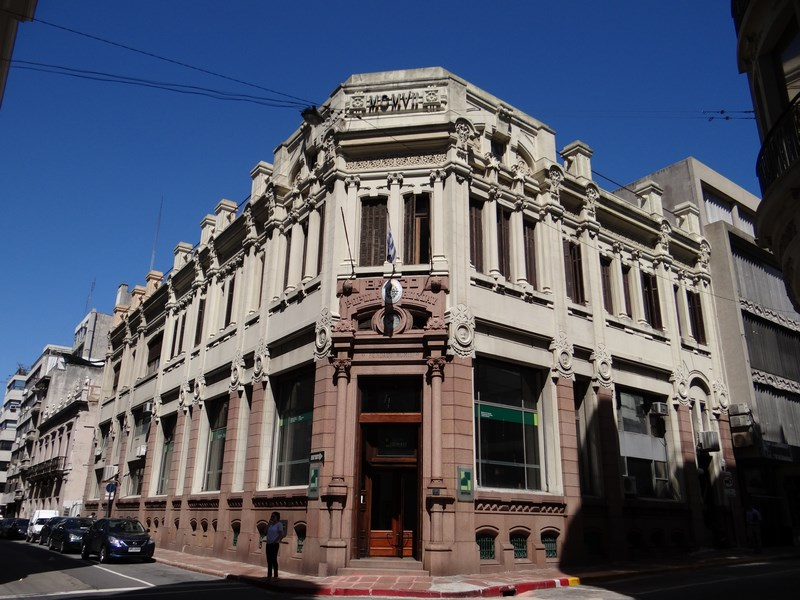 13. Strazile din Montevideo