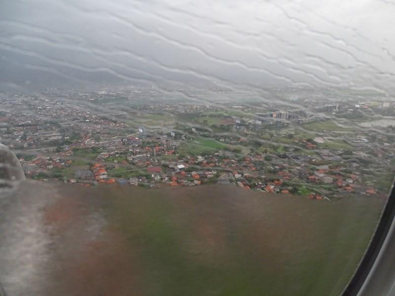 36. Ploaie la Jakarta