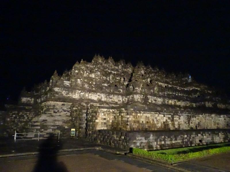 01. Borobudur noaptea