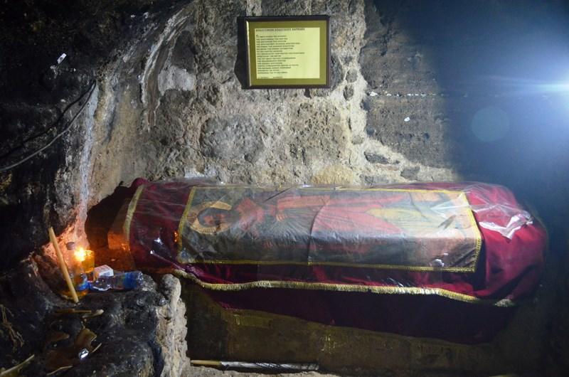 04. Sf Barnabas - Mormantul