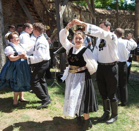 05. Dansuri traditionale