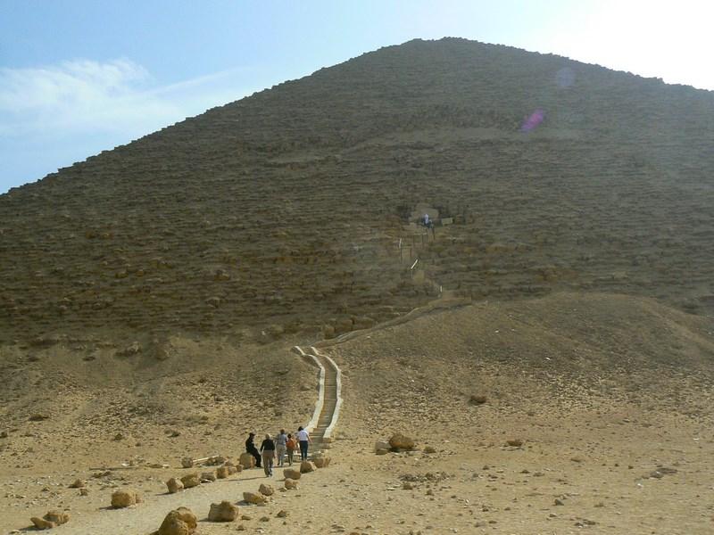 09. Spre piramida