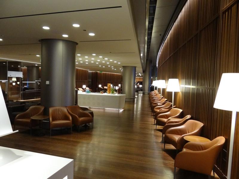 10. Oryx lounge