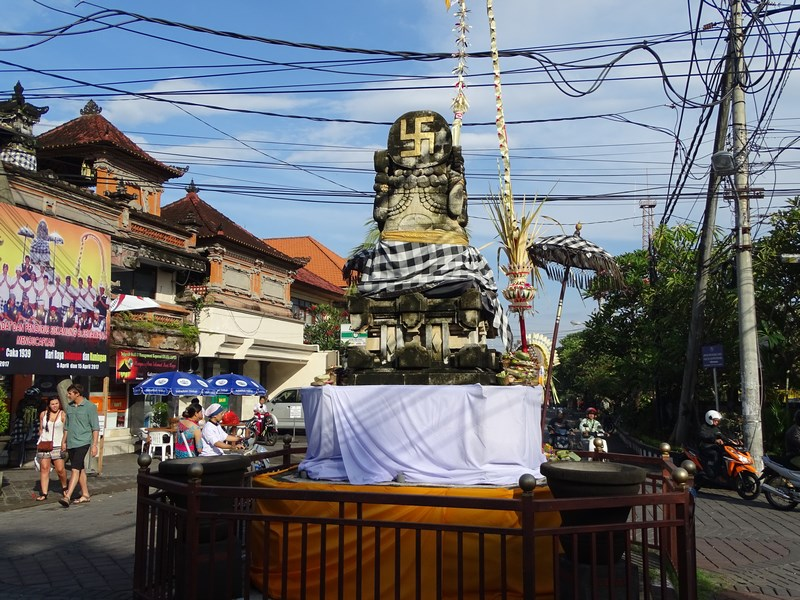 13. Monument religios Bali
