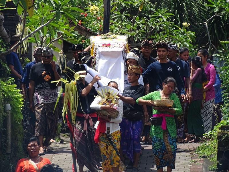 14. Incinerare Bali