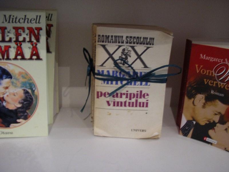 18. Carti in romaneste in SUA