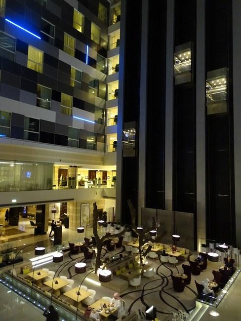 20. Interior hotel Rotana Doha