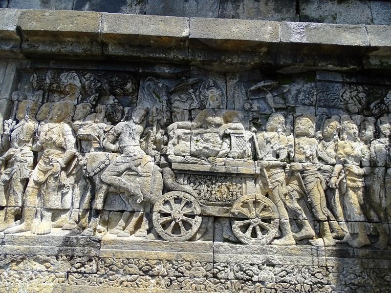 30. Frize Borobudur