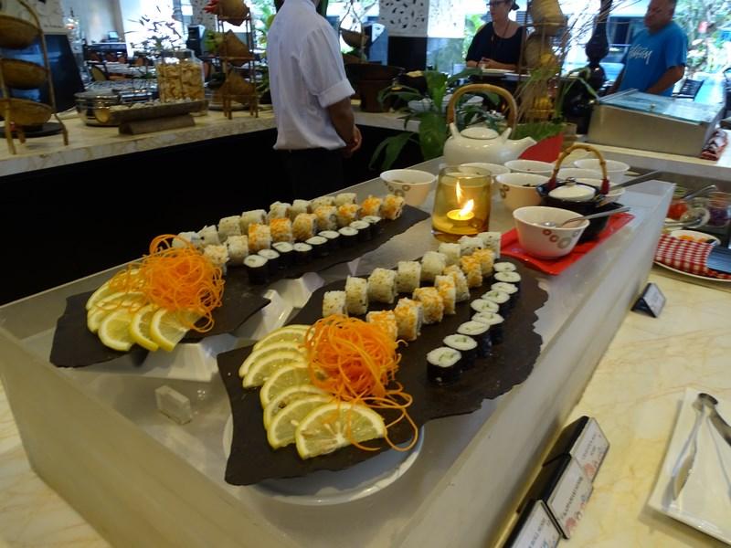 32. Sushi mic dejun