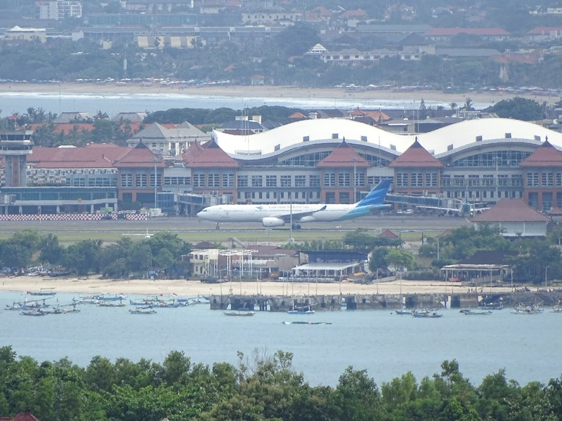 33. Aeroport Bali