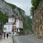 1. Biserica Din Cazanele Dunarii Copy