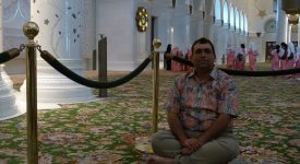 22. In Moscheea Abu Dhabi