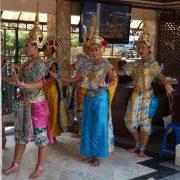 14. Dansatoare Thailandeze