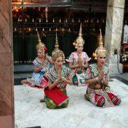05. Dansatoare Thailandeze