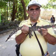 03. Cu Un Pui De Crocodil