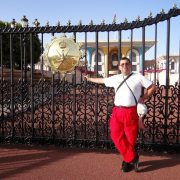 31. La Portile Palatului Sultanului