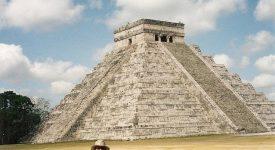 09. Piramida Kukulcan Din Chichen Itza