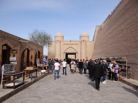12. Intrarea in Khiva
