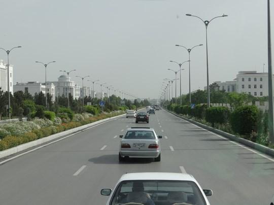 03. Bulevarde Ashgabat