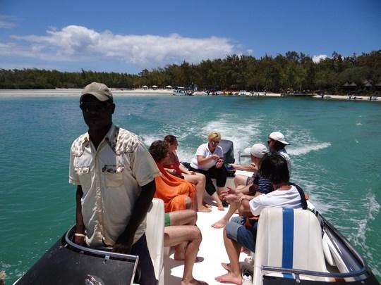 06. Plimbare cu salupa Mauritius