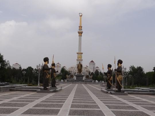 11. Monumentul Independentei