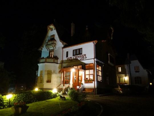 17. Vila Camelia by night